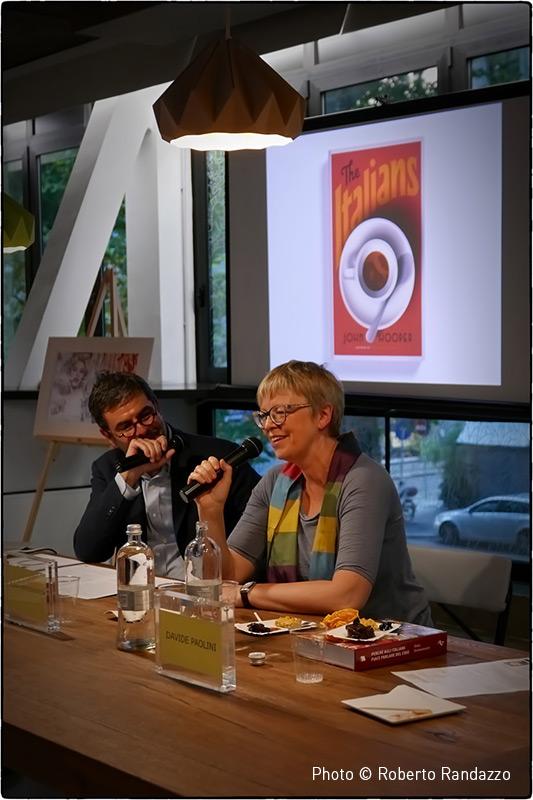 Elena Kostioukovitch  partecipate to a public dialogue with Davide Paolini